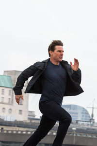 320x568 Tom Cruise Running Mission Impossible Fallout