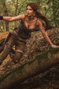 750x1334 Tomb Raider Cosplay 4k 5k