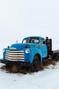 540x960 Truck In Snow