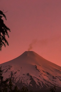 1440x2560 Villarica Volcano Pucon Chile Coverd In Snow 5k