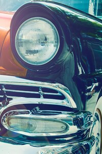 640x1136 Vintage Car Headlight