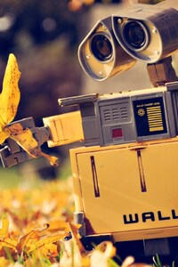 240x320 Wall E Movie