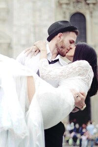 240x320 Wedding Couple Kissing