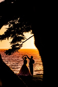640x1136 Weeding Couple Beach Silhouette