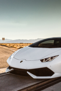 White Lamborghini Huracan 5k 2018