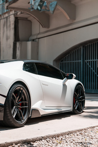 White Lamborghini Huracan 5k New