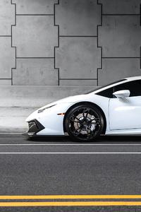White Lamborghini Huracan4k