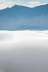 640x960 White Sand Mountains During Daytime 5k