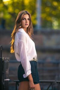 White Shirt Girl 4k