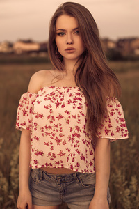 Women Brunette Standing In Field 4k