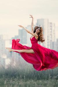 1125x2436 Women Dancing 5k