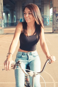 480x854 Women With Bicycle Smiling 4k