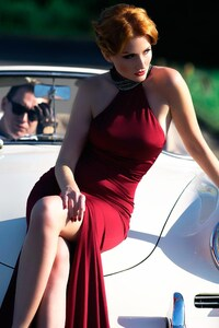 540x960 Women With Cars