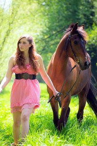 360x640 Women With Horse