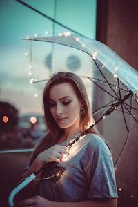 360x640 Women With Umbrella Lights 4k