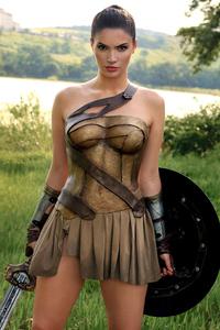 1440x2560 Wonder Woman 1984 Golden Suit Cosplay