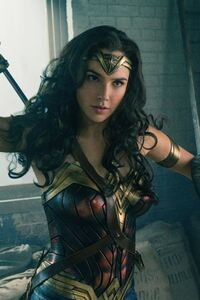 320x480 Wonder Woman 8k