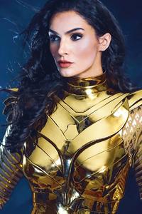540x960 Wonder Woman Golden Armor Cosplay 4k