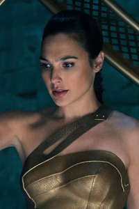 800x1280 Wonder Woman God Killer Sword