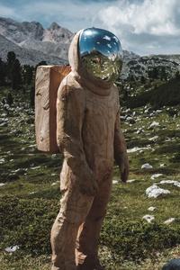 360x640 Wooden Astronaut