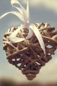 2160x3840 Wooden Heart