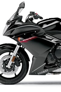 1125x2436 Yamaha FZ6R