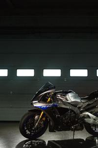 Yamaha R1 M