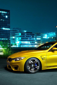 Yelllow Bmw M4