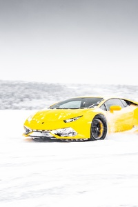 Yellow Lamborghini Aventador In Snow 5k