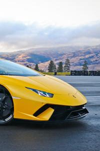 Yellow Lamborghini Huracan 5k