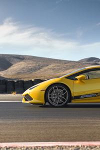 1242x2688 Yellow Lamborghini Huracan 8k