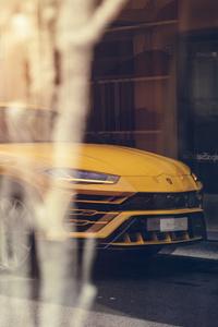 Yellow Lamborghini Urus 2019 8k